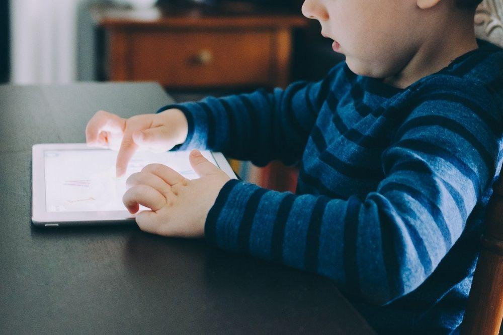 3 Tips om je kinderen veilig op het internet los te laten